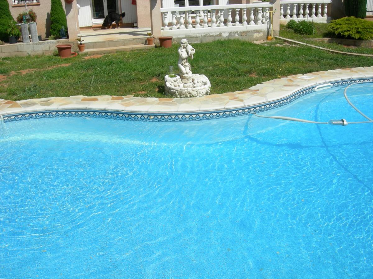 construction de piscines sur la cote bleue piscines cote bleue. Black Bedroom Furniture Sets. Home Design Ideas